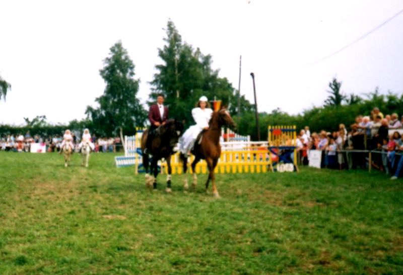 geschichte des pferdesports in l ttewitz turnier ausbildung pension reitverein l ttewitz e v. Black Bedroom Furniture Sets. Home Design Ideas